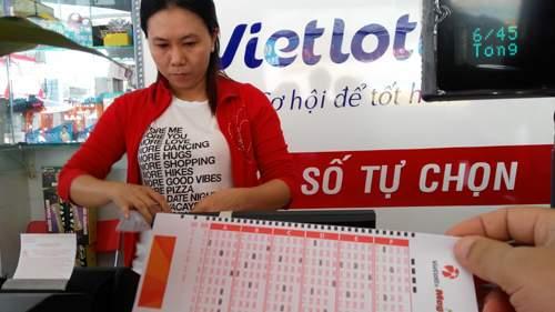 Vietlott bị tố sai phạm, Bộ Tài chính yêu cầu chấn chỉnh bán vé số 1