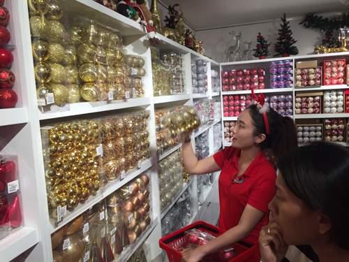 Chục triệu mỗi món đồ trang trí Giáng sinh đẹp hút mắt 13
