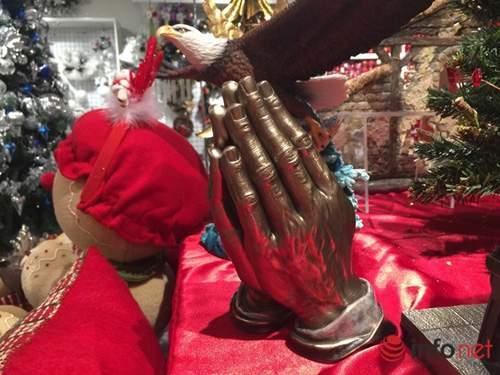 Chục triệu mỗi món đồ trang trí Giáng sinh đẹp hút mắt 2
