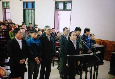 """""""Hô biến"""" tiền đền bù dự án Formosa, nguyên chủ tịch huyện hầu tòa 1"""