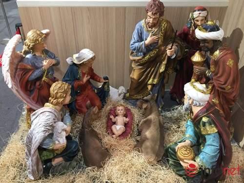 Chục triệu mỗi món đồ trang trí Giáng sinh đẹp hút mắt 9