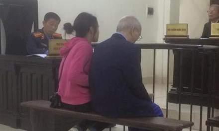 Cụ ông 72 tuổi đâm chết em trai vì mâu thuẫn đất đai 1