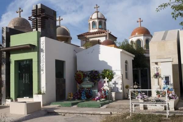 Nghĩa trang siêu sang, chống đạn của trùm ma túy Mexico 4