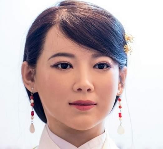 """TQ sẽ dùng robot """"thánh nữ"""" thay thế con người 2"""