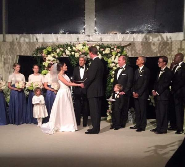 Phát hiện ông Obama làm phù rể trong đám cưới bạn thân 2