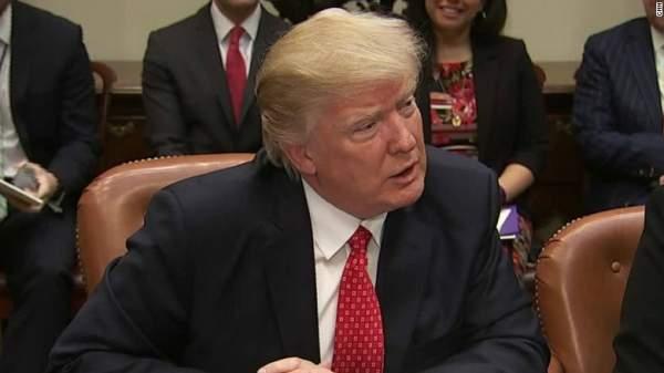Trump dọa đưa vụ kiện lệnh cấm nhập cư lên tòa tối cao 1