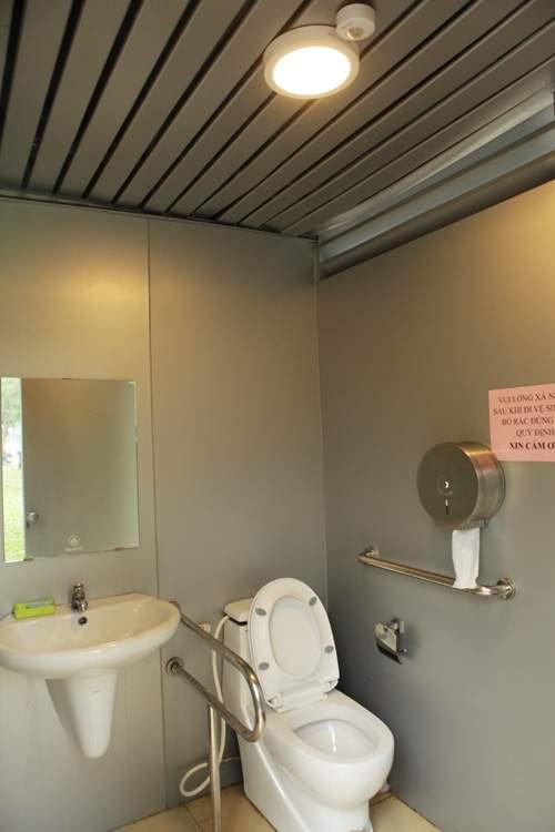 Tè bậy ngay gần nhà vệ sinh siêu sạch giữa Thủ đô 10