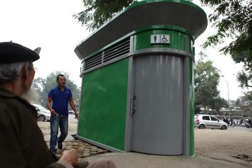Tè bậy ngay gần nhà vệ sinh siêu sạch giữa Thủ đô 2