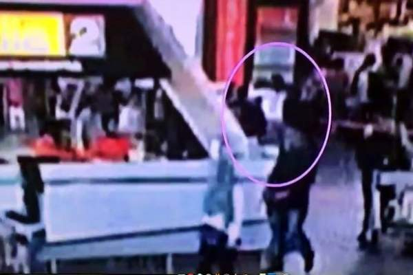 Video anh trai Kim Jong-un bị sát hại giữa sân bay 1
