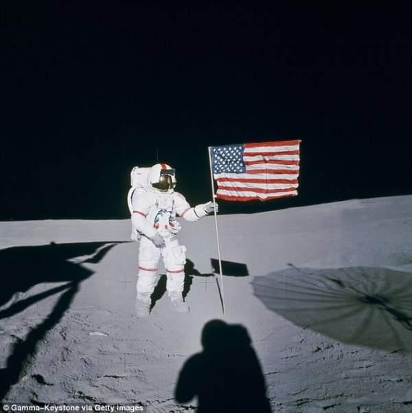 4 phi hành gia NASA quả quyết về người ngoài hành tinh 1