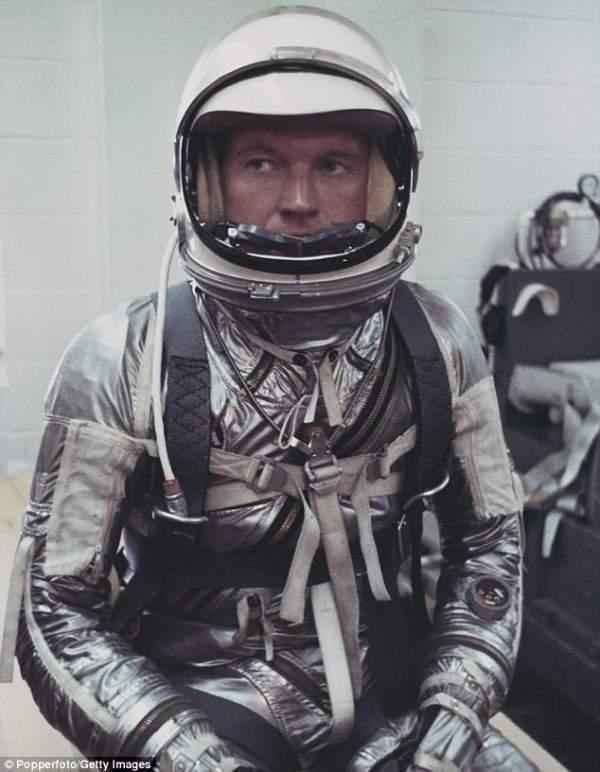 4 phi hành gia NASA quả quyết về người ngoài hành tinh 3