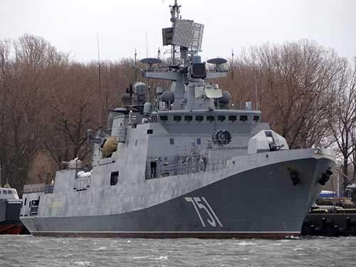 Nga điều tàu chiến áp sát tàu Mỹ phóng tên lửa vào Syria 1