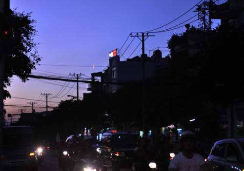 Xuất hiện vệt sáng bí ẩn trên bầu trời Sài Gòn 7