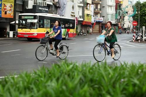 Người Hà Nội tận hưởng thời tiết mát mẻ đến khi nào? 1