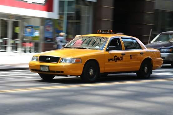 Cô gái Mỹ 23 tuổi bị bắt vì cướp, hiếp nam tài xế taxi 1
