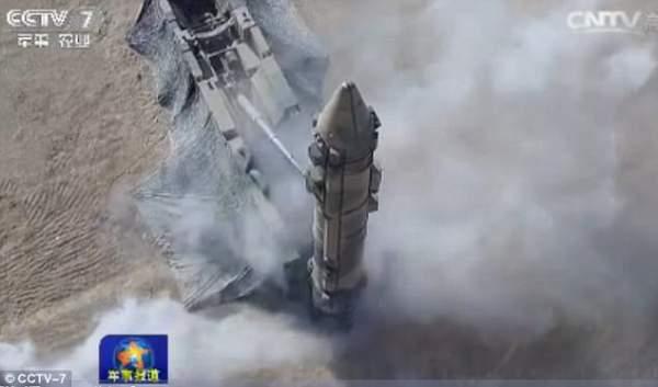 """Triều Tiên căng thẳng, TQ """"khoe"""" tên lửa cỡ khủng 5"""