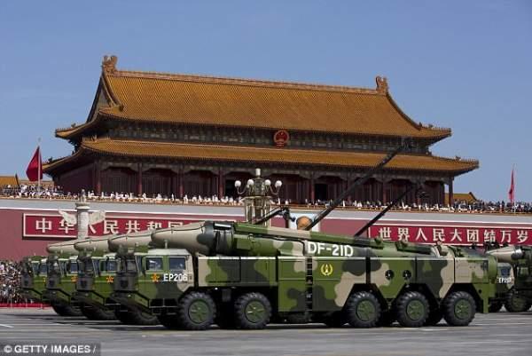 """Triều Tiên căng thẳng, TQ """"khoe"""" tên lửa cỡ khủng 3"""