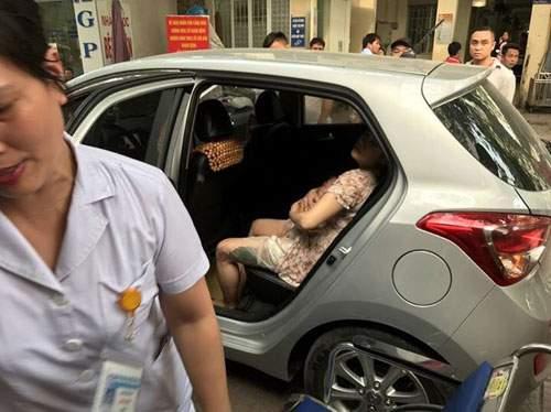 CSGT mở đường cho sản phụ đẻ con trên ô tô tới viện an toàn 1