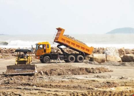 Chủ tịch Khánh Hòa ủng hộ đề xuất lấn vịnh Nha Trang 2