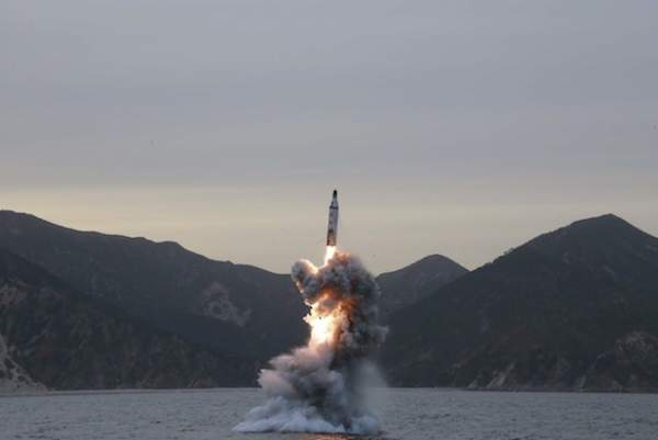 Đội tàu ngầm Triều Tiên đã sẵn sàng giáng đòn hạt nhân? 2