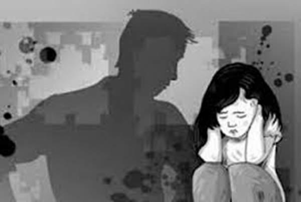 Bắt khẩn cấp nam thanh niên hiếp dâm 2 bé gái cùng xã 1