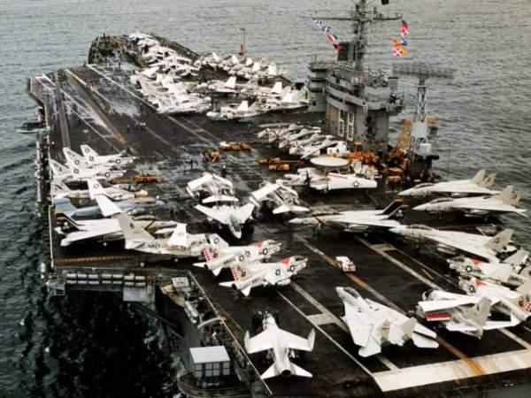 Nga, TQ điều tàu chiến giám sát chặt tàu sân bay Mỹ 3