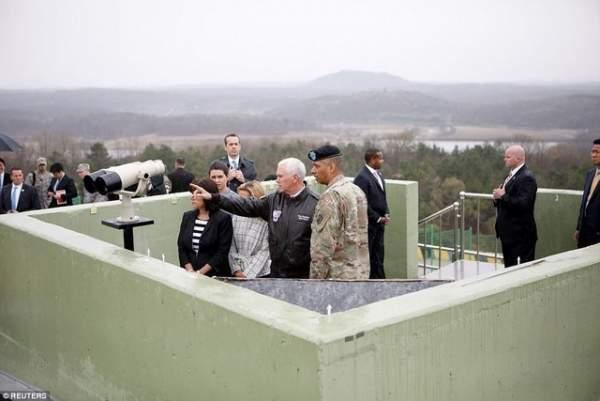 Phó TT Mỹ bất ngờ tới gần khu phi quân sự Triều Tiên 2