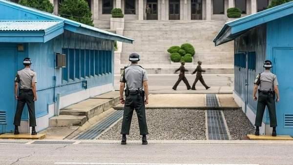 Phó TT Mỹ bất ngờ tới gần khu phi quân sự Triều Tiên 3