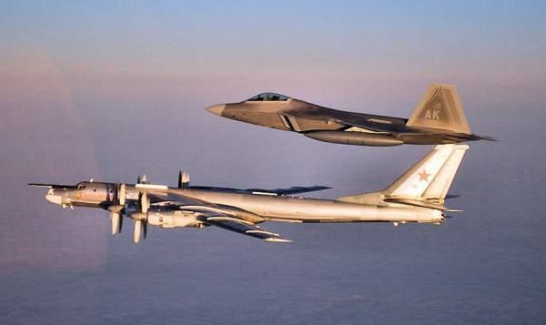 Máy bay ném bom hạt nhân Nga bất ngờ áp sát biên giới Mỹ 1