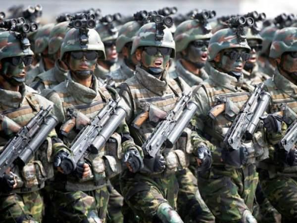 """Vũ khí lạ thường của đội đặc nhiệm """"tia chớp"""" Triều Tiên 4"""