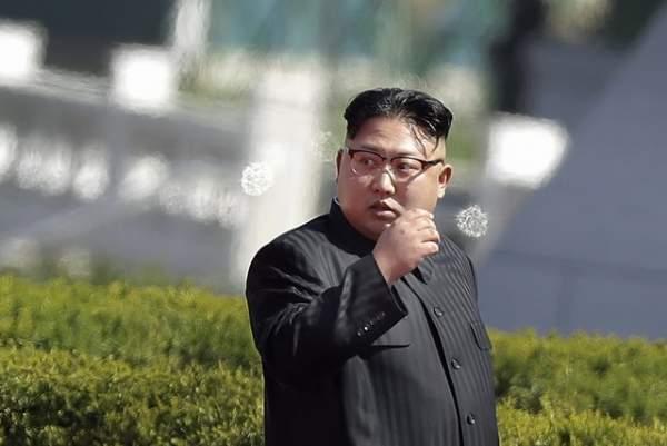 """Chuyên gia: Mỹ đang dùng """"dầu"""" để dập """"lửa"""" ở Triều Tiên 3"""