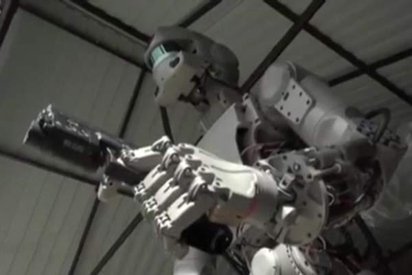 """Hé lộ về đội quân robot """"kẻ hủy diệt"""" của Putin 1"""