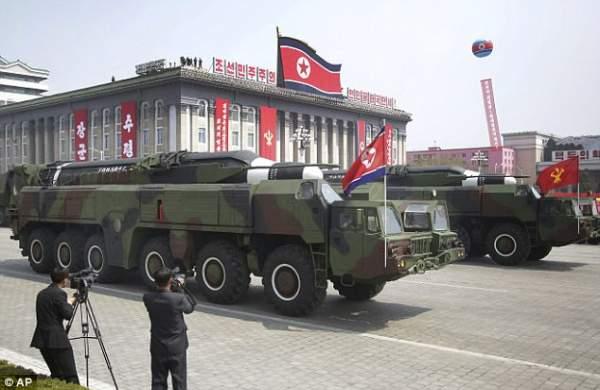 """Chê Kim Jong-un, Nghị sĩ Mỹ hứng """"bão"""" từ Triều Tiên 2"""