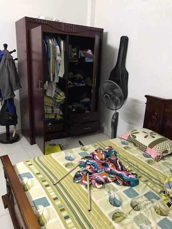 Tên trộm cầm dao lục tung nhà gia chủ ở Sài Gòn 3