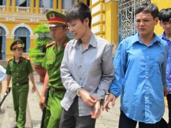 Tên trộm cầm dao lục tung nhà gia chủ ở Sài Gòn 5