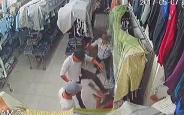 Tin bất ngờ vụ giang hồ chém người xối xả trong tiệm quần áo 1