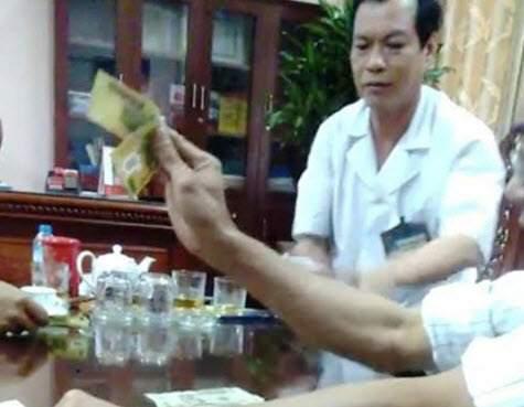 Nóng nhất tuần: Ông Đinh La Thăng thôi chức Bí thư TP.HCM 4