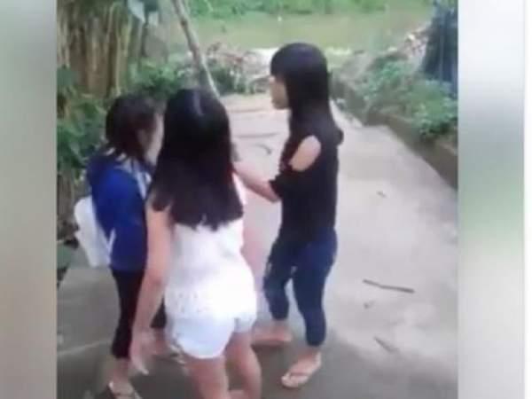 TT- Huế: Kỷ luật cảnh cáo 2 nữ sinh lớp 9 đánh bạn tới tấp 3