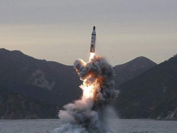 Triều Tiên phóng tên lửa bay 700km ra biển Nhật Bản 2