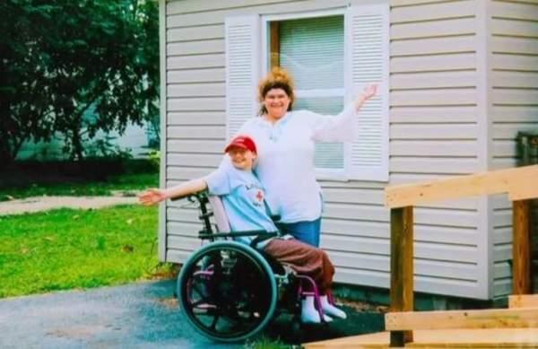 Mỹ: Sát hại mẹ ruột vì bị ép đóng giả tàn tật 10 năm 1