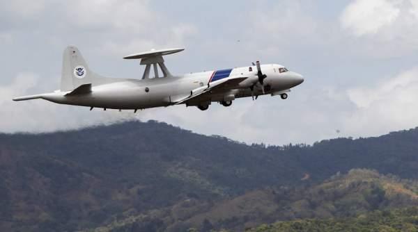 """Chiến đấu cơ TQ chặn """"không an toàn"""" máy bay săn ngầm Mỹ 1"""