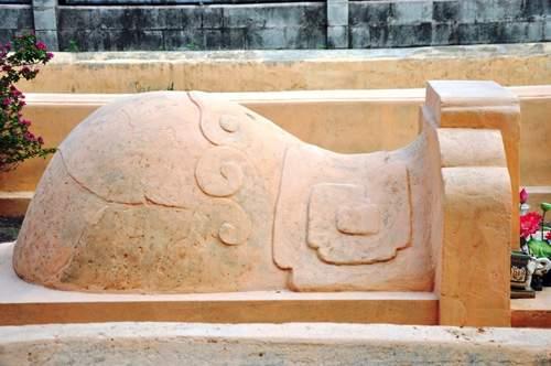 Cận cảnh những cổ mộ của danh tướng, bá hộ Sài Gòn xưa 12