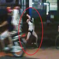 """""""Nhức mắt"""" xem nhóm cô gái mặc bikini nhảy uốn éo ở Sài Gòn 2"""