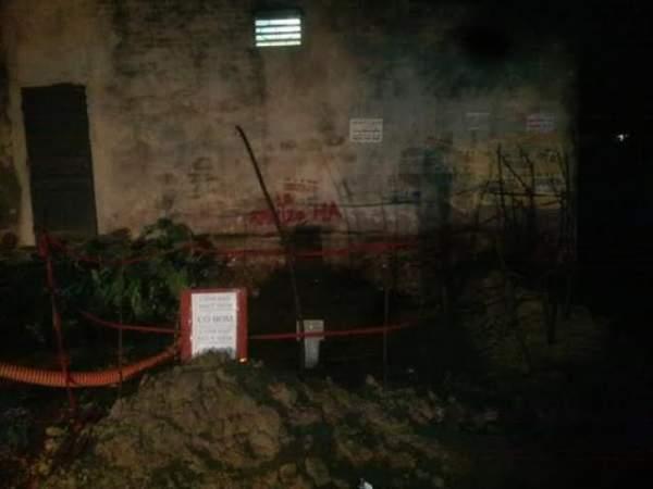 Đào móng nhà, gia chủ hoảng hồn phát hiện bom 3