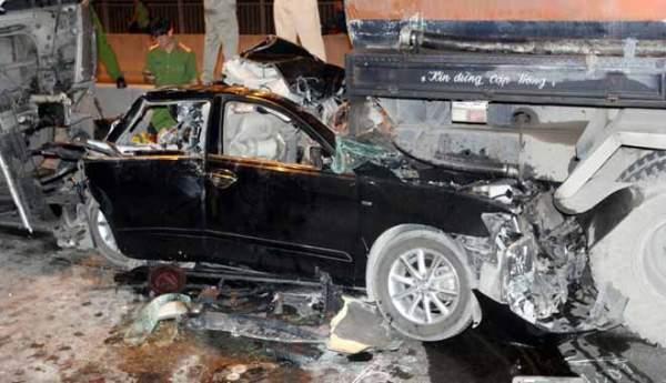 """2 người tử vong tại dốc cầu """"chết chóc"""" ở Sài Gòn 5"""