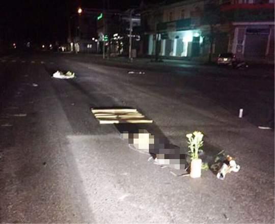 Bàng hoàng phát hiện 1 phụ nữ chết lõa thể giữa đường 1