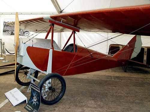 Những chiếc máy bay đầu tiên ở Việt Nam 1