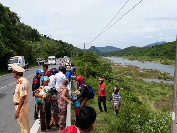 Phát hiện thi thể người phụ nữ trần truồng trôi sông Đakrông 2