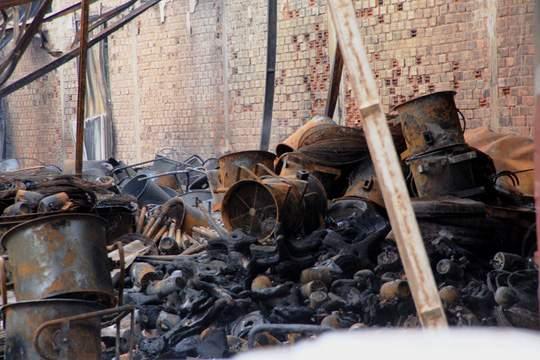 Xót lòng cảnh hoang tàn sau vụ cháy ở quận 4 6