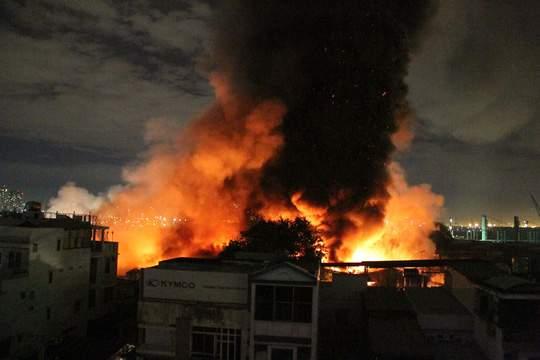 Xót lòng cảnh hoang tàn sau vụ cháy ở quận 4 8